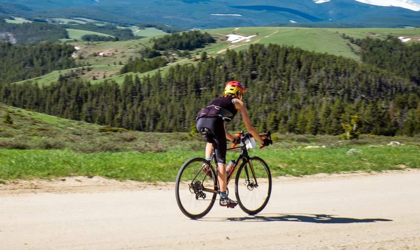 In bicicletta sulle strade bianche